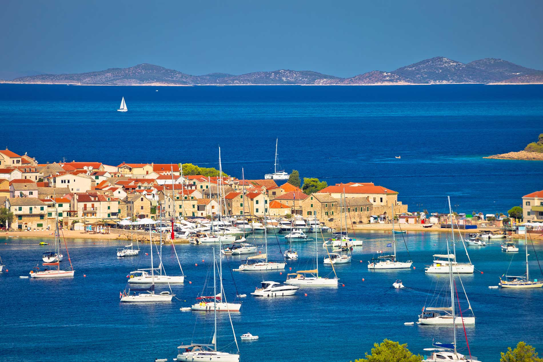 Hire a boat from Primosten in Croatia