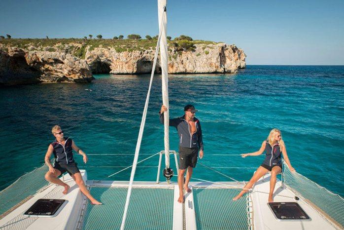 Catamaran Yacht Charter Crew